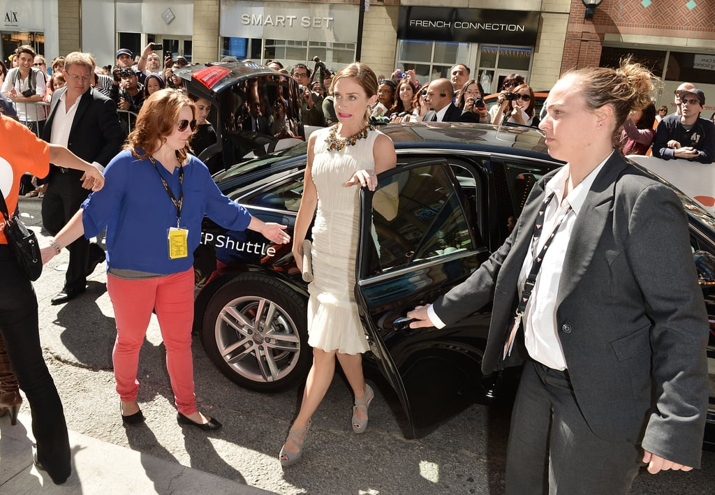 Emily Blunt stepped out of her car.