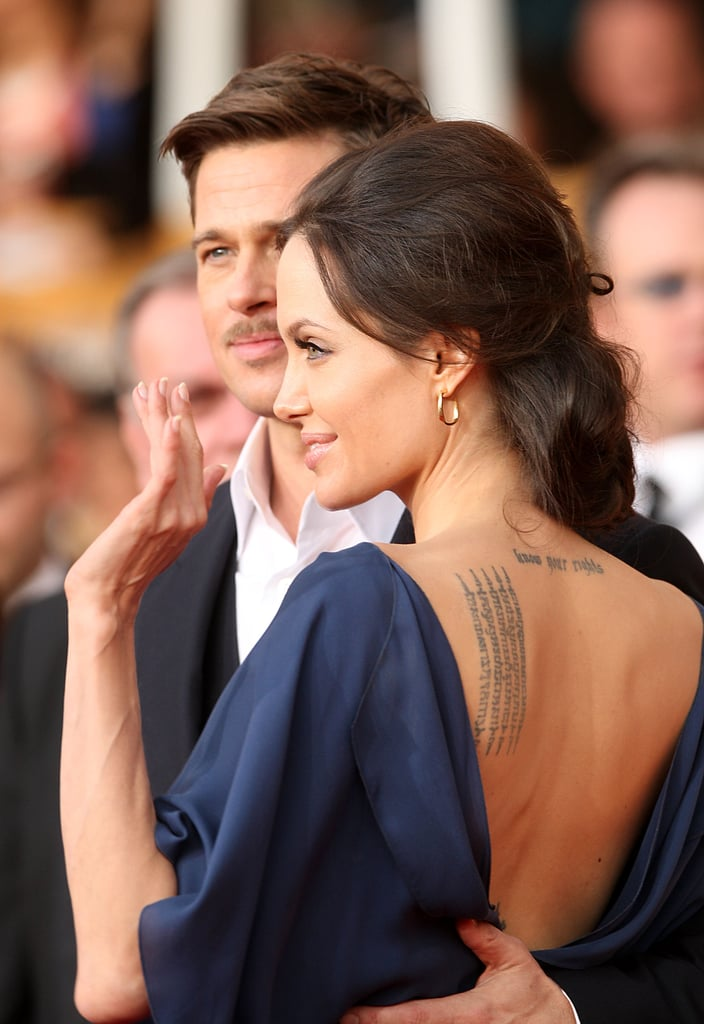 Angelina Jolie waved to fans at the January 2009 SAG Awards.