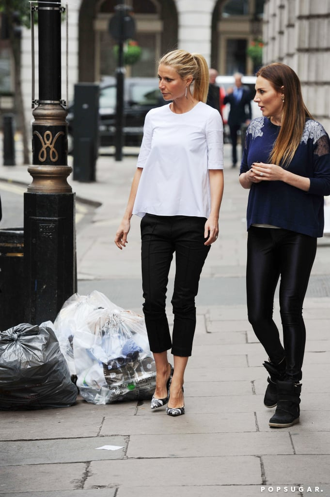 Gwyneth Paltrow sported a casual look when Taylor Swift visited her in London.