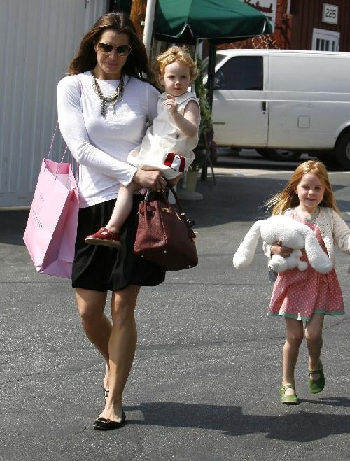 Brooke took her Henchy girls out for some shopping at Calypso.