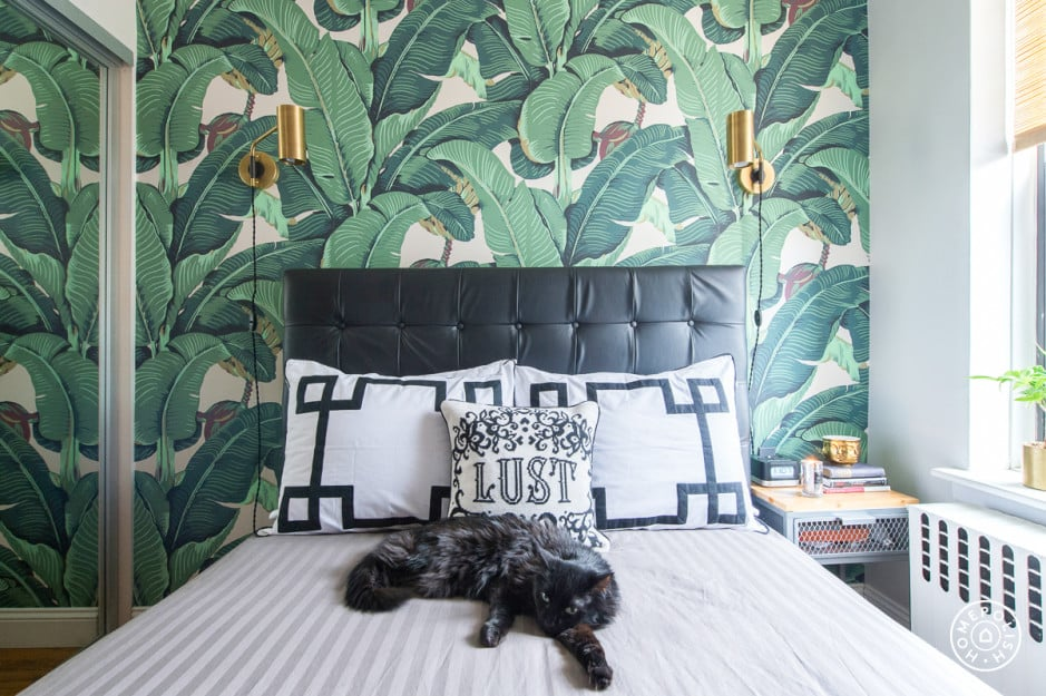 wouldn 39 t she love this jungle print wallpaper fairy tale apartment inspiration for a modern. Black Bedroom Furniture Sets. Home Design Ideas