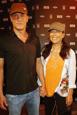 Sugar Bits —Woody Harrelson Marries Longtime Girlfriend