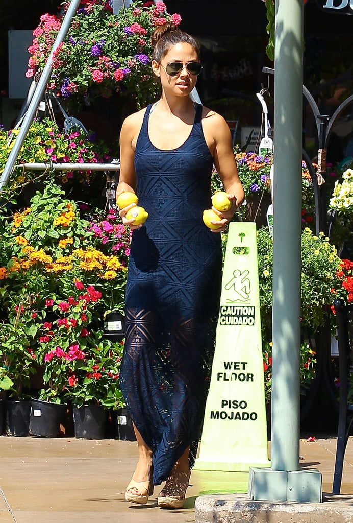 Vanessa Lachey picked up fruit at the grocery store in LA.