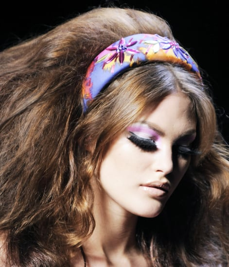 70s hairstyles and makeup