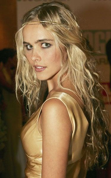 2005: Isabel Lucas