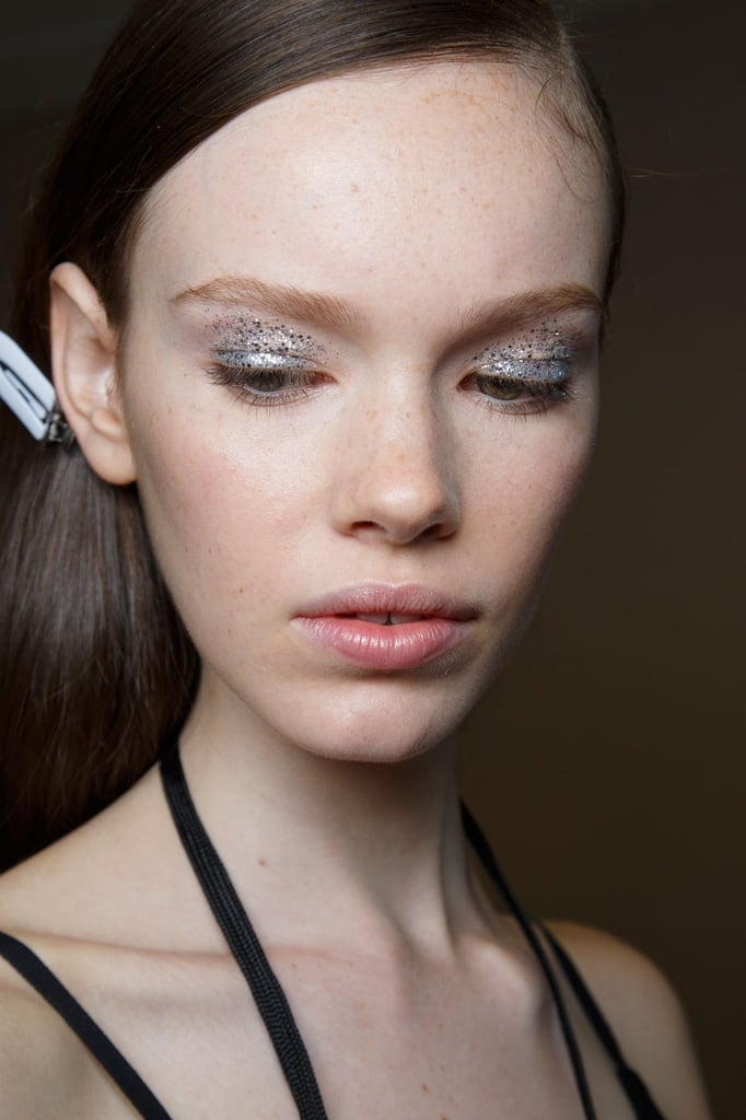 How Beauty Pros Wear Bright Makeup recommend