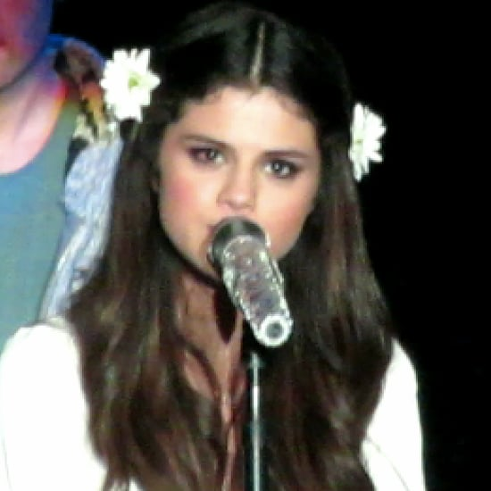"""Selena Gomez Sings """"Cry Me a River"""" at Concert (Video)"""