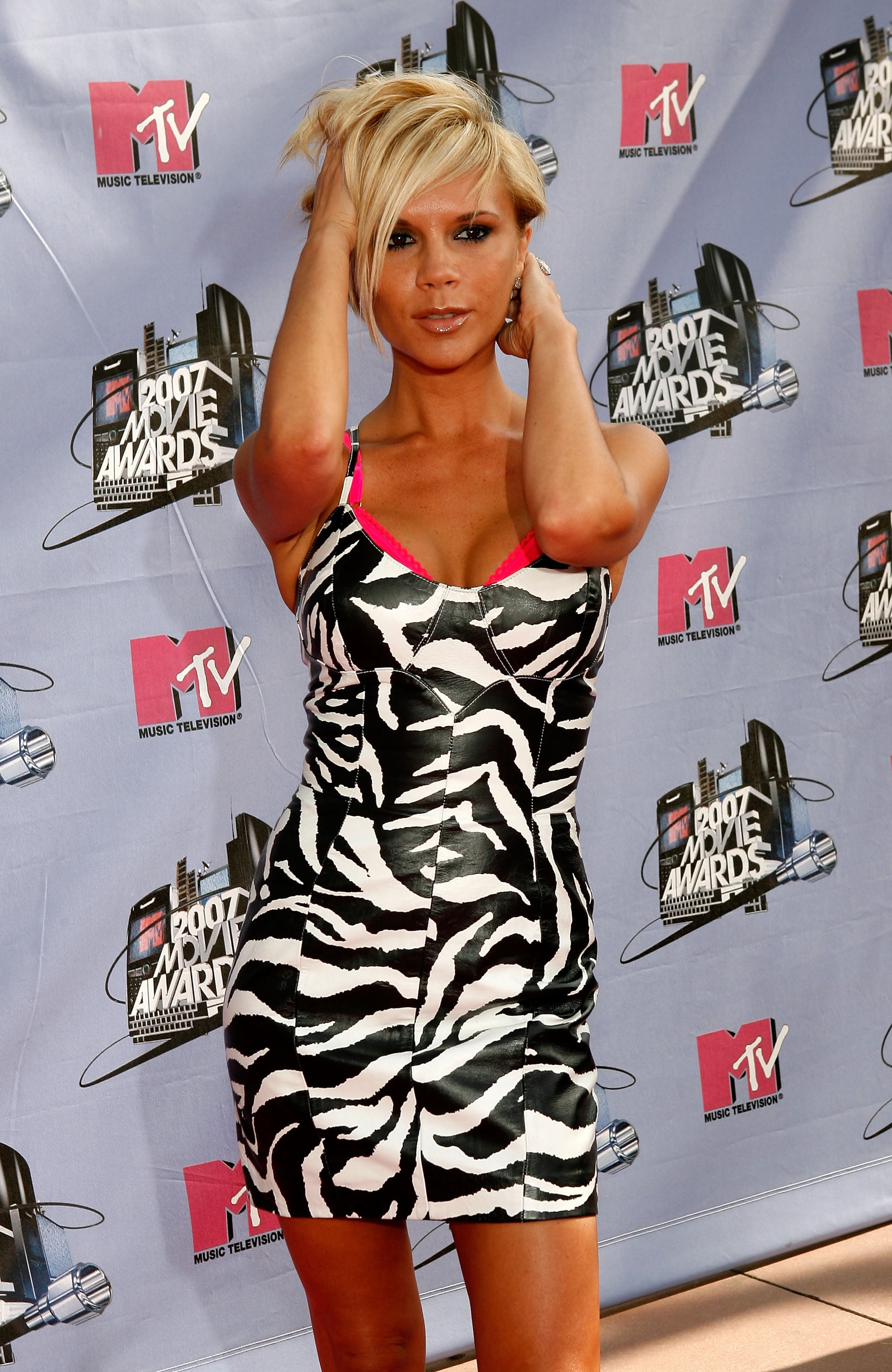 The Ladies Like it Short & Sweet on the MTV Movie Awards Pink Carpet