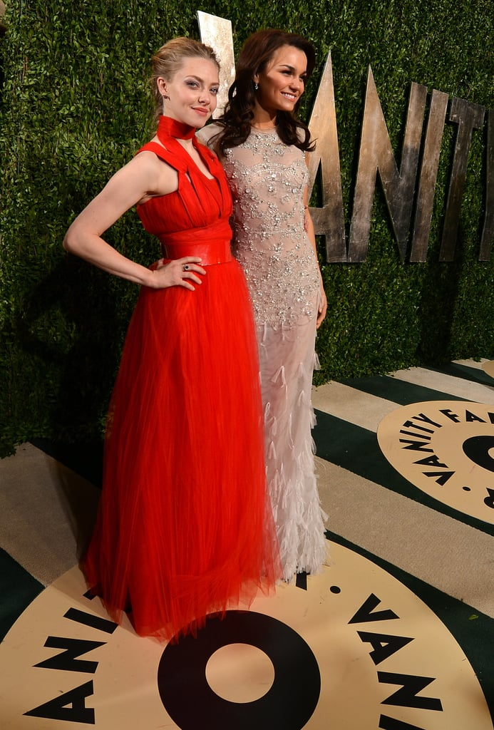 Les Misérables stars Amanda Seyfried and Samantha Barks made a dynamic duo outside of Vanity Fair's Oscars party.