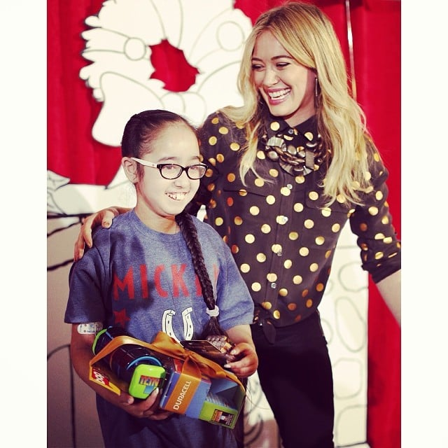 Hilary Duff was all smiles with a young fan. Source: Instagram user hilaryduff