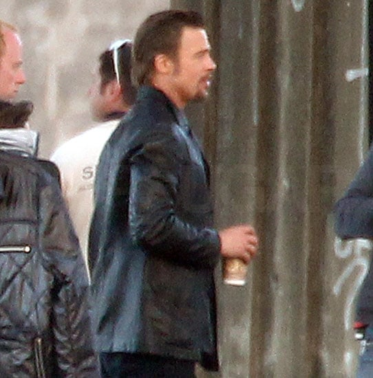 Pictures of Brad Pitt With a Goatee on Set
