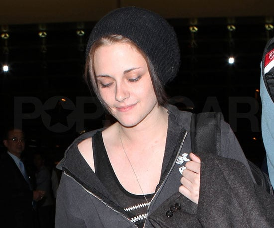 Slide Picture of Kristen Stewart at LAX