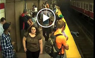 Strangers Rescue Mom and Tot Who Fell Onto Subway Tracks (VIDEO)