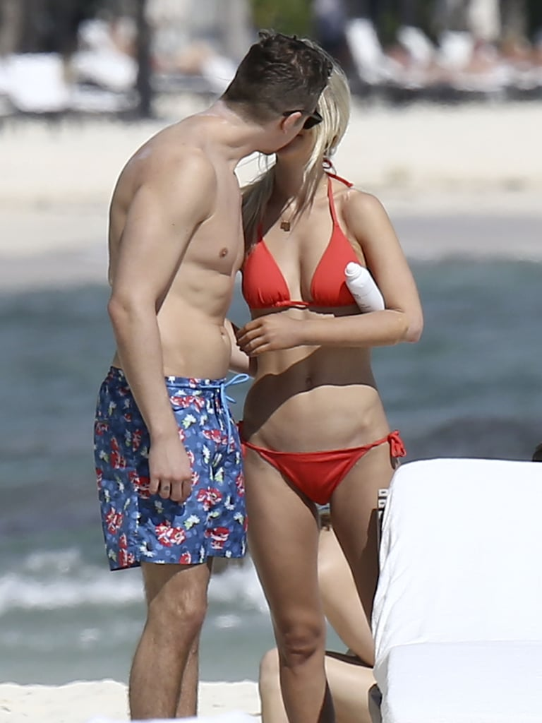 Newlyweds Lauren Scruggs and Jason Kennedy kissed while enjoying a romantic honeymoon in Mexico in December 2014.