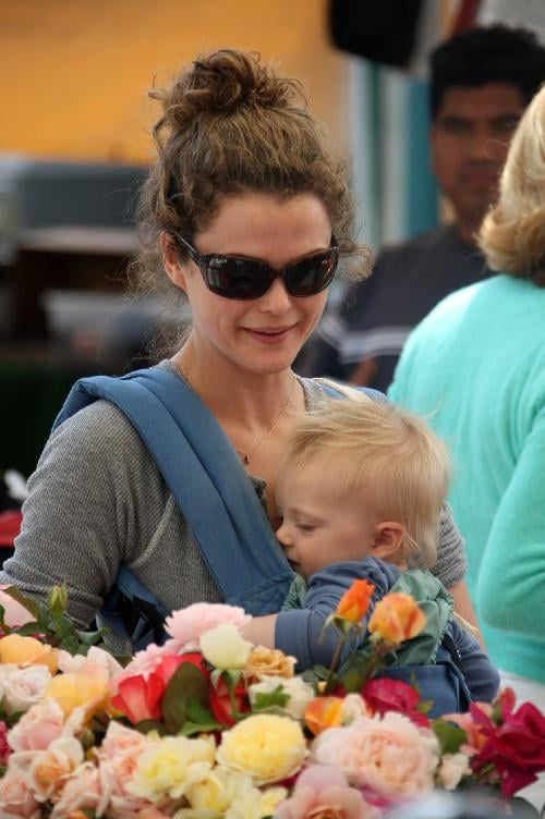 Keri Russell and River Deary Scoop Up Some Flowers