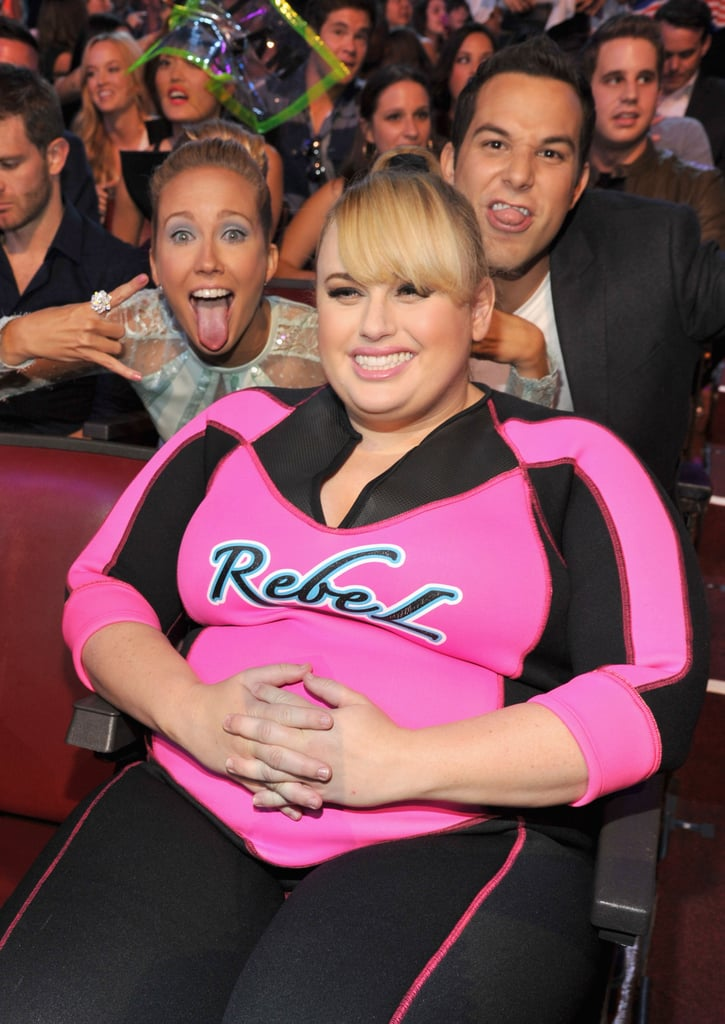 Pitch Perfect's Anna Camp and Skylar Astin joked around with Rebel Wilson at the Teen Choice Awards.