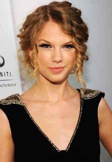 Billboard Names Taylor Swift Its No. 1 Artist of the Year