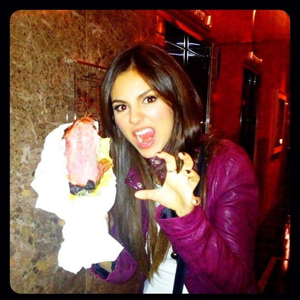 "Victoria Justice ""destroyed"" a turkey leg at the fair. Source: Instagram user victoriajustice"