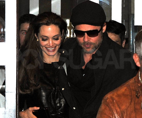 Slide Picture of Brad Pitt and Angelina Jolie at Dinner in Paris
