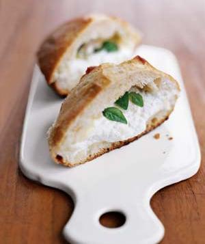 Easy Baked Ricotta and Mozzarella Sandwich Recipe