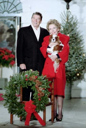 King Charles Cavalier Spaniel Rex is sitting pretty, taking in the annual lighting of the National Christmas Tree with the Reagans in 1985. Source: Ronald Reagan Presidential Library