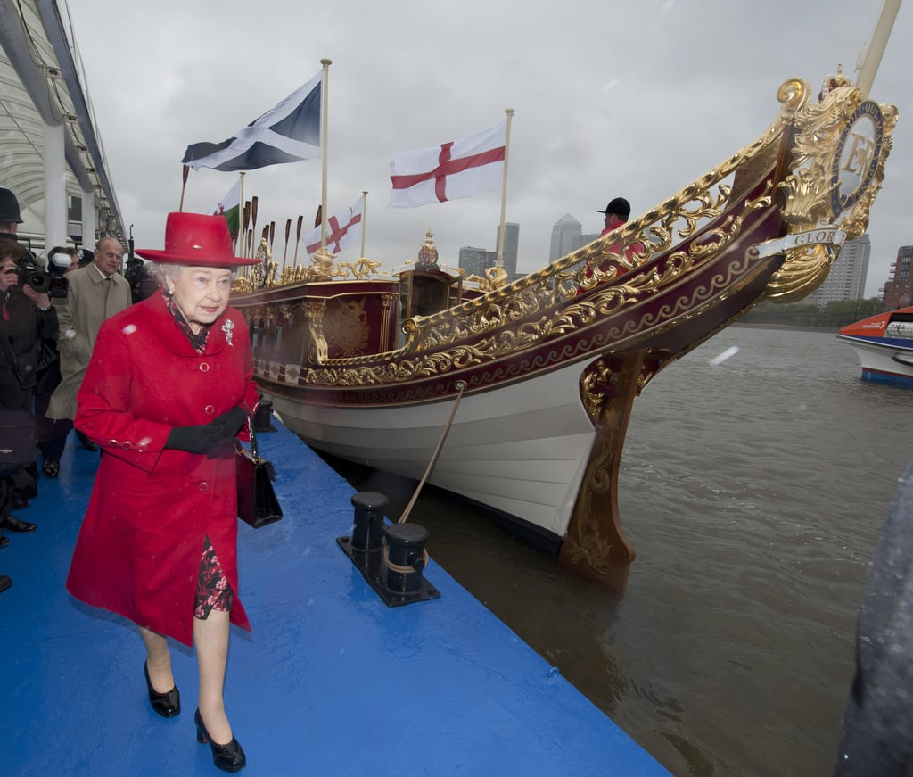 Queen Elizabeth checked out the Gloriana, the new Royal Rowbarge.