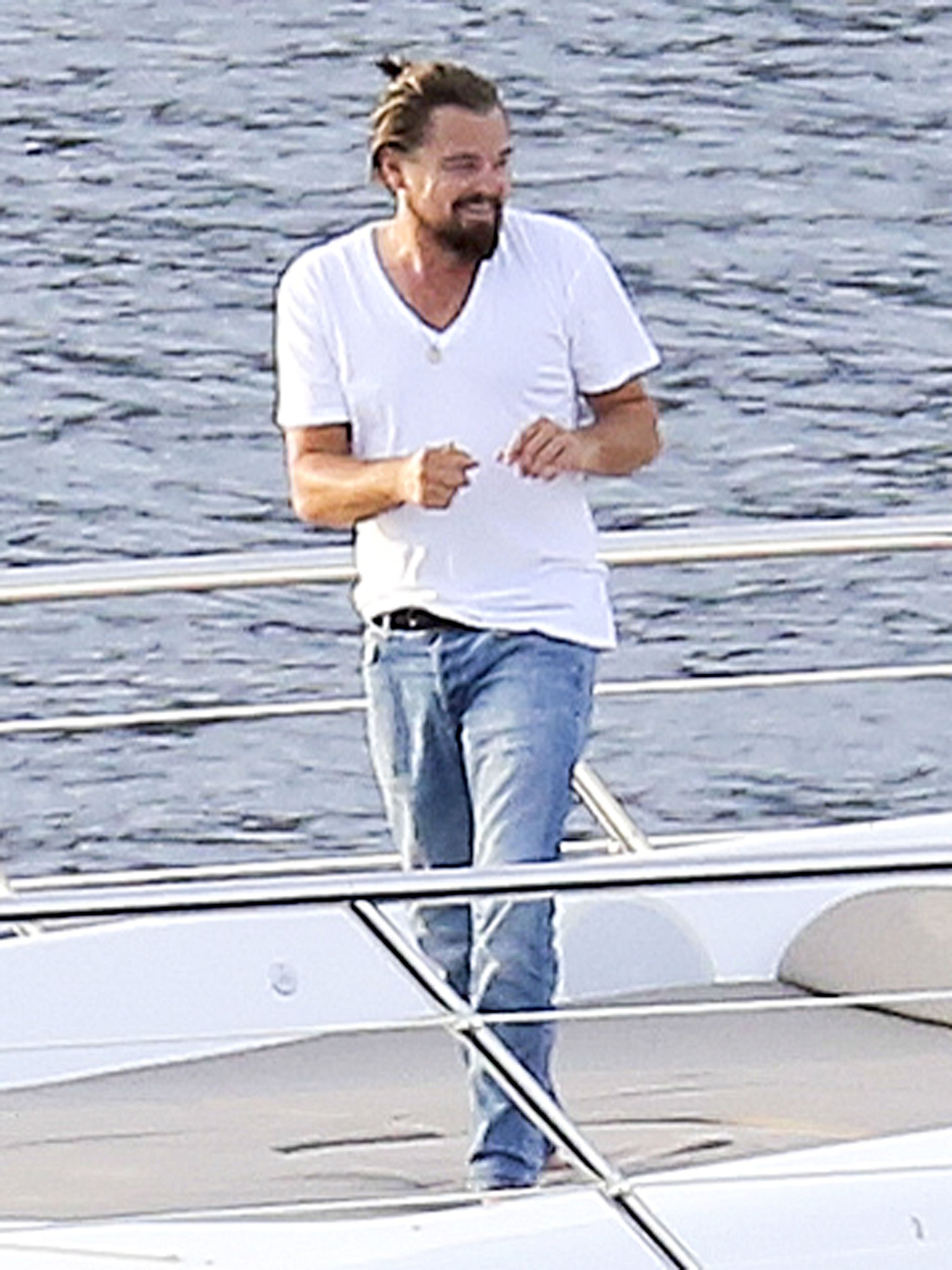 You Definitely Didn't Know Leonardo DiCaprio Had Moves Like This