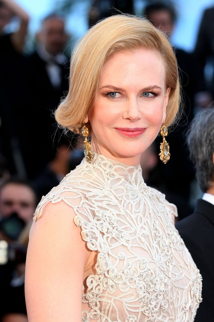Judge Nicole Kidman styled her hair in a swooping, vintage hairstyle, which paired beautifully with her tangerine lips and bold brows at the Nebraska premiere.