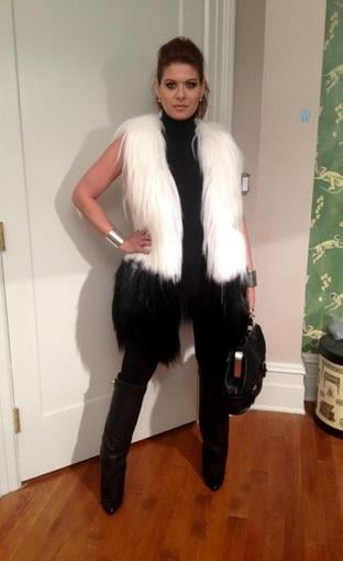 Debra Messing paired black and white shades for her FNO festivities. Source: Twitter user debramessing
