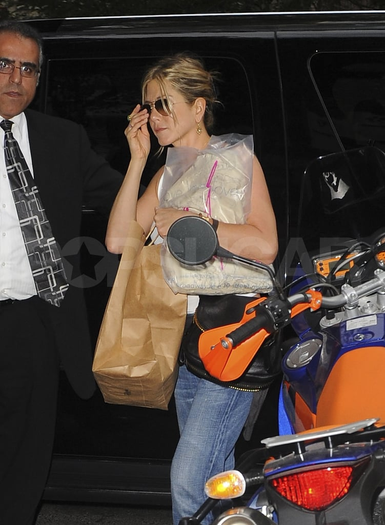 Jennifer Aniston heads home in NYC.