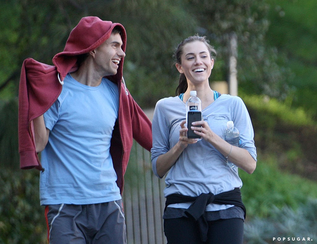 Allison Williams and her boyfriend, Ricky Van Veen, went hiking.