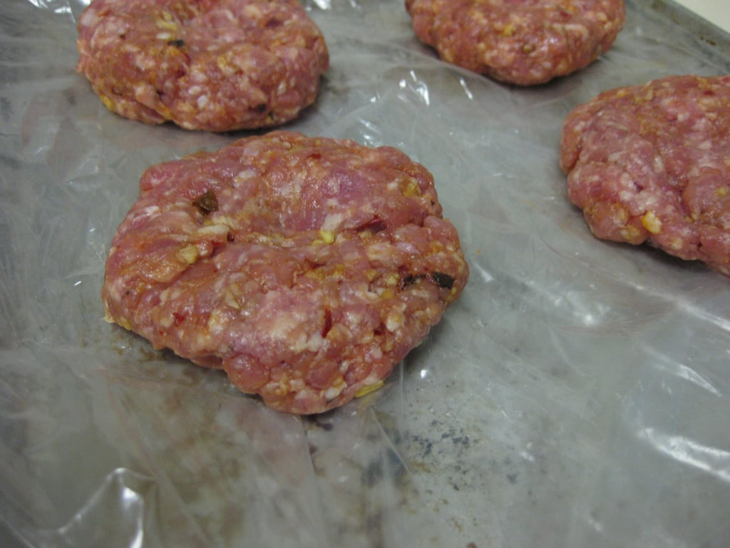 How To Pack Burgers For a Picnic