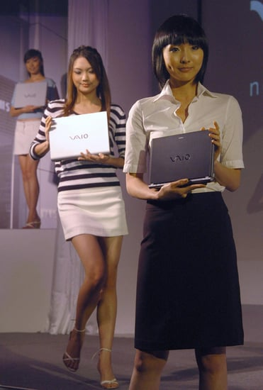 Models Take to the Streets of Manhattan With Sony Vaios