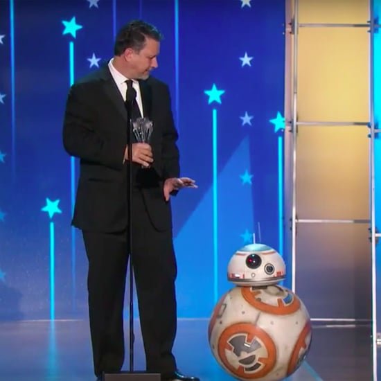 BB-8 at the Critics' Choice Awards 2016 | Video