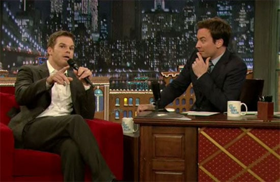 Video Michael C. Hall Singing Santa Claus Is Comin' to Town