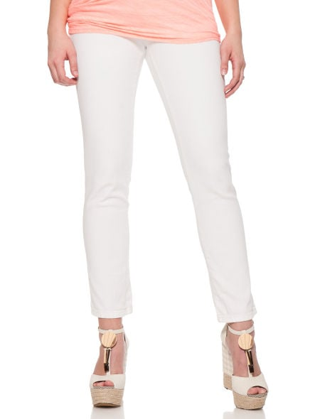 Just because you're expecting doesn't mean you can't add a pair of crisp white jeans to your wardrobe. Jessica Simpson's Secret Fit Belly Ringspun Denim 5 Pocket Maternity Crop Jeans in white ($59) are a sure sign that Spring is here.