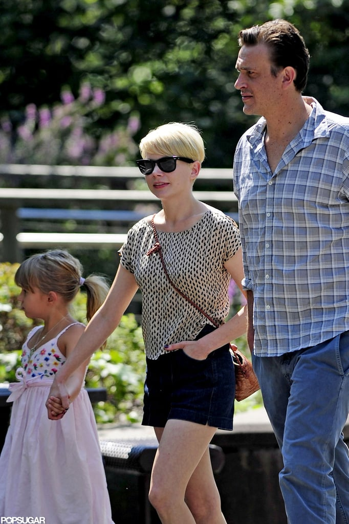 Michelle Williams and Jason Segel went to the zoo with Matilda.