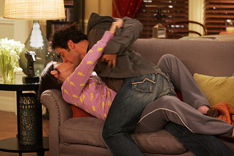 This makeout! Remember when we really thought Robin was the mother? She and Ted were pretty good together, at first.