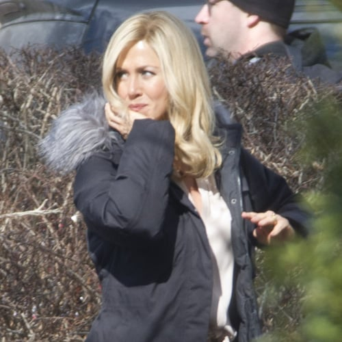 Jennifer Aniston in a Blond Wig on Set (Pictures)