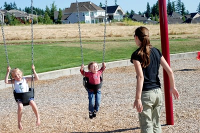 How to Handle Play Dates with Moms or Kids You Dislike