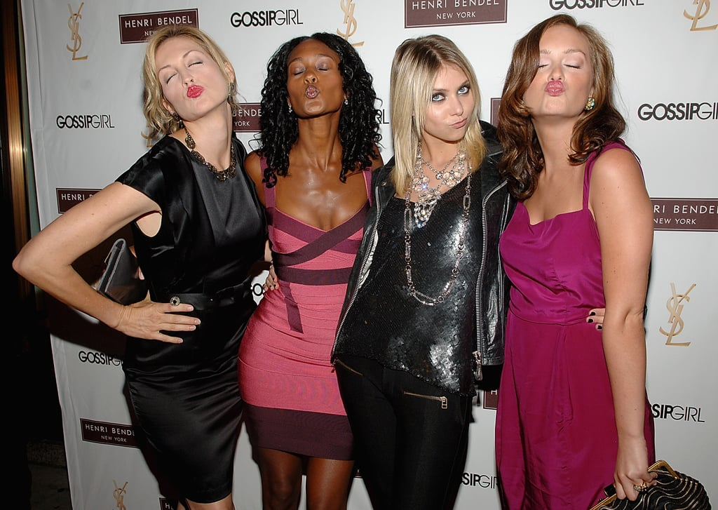 Kelly Rutherford joked around with her Gossip Girl costars at the show's season two premiere held in August 2008 in NYC.