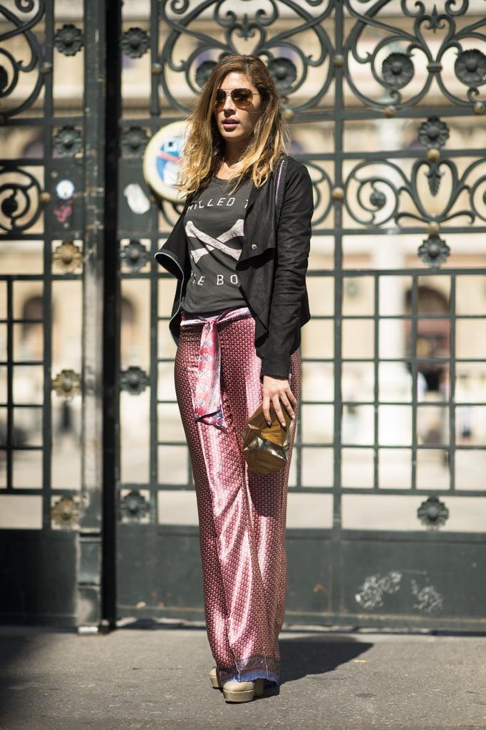 Where high fashion meets hangout gear — a cool tee to top her printed pants. Source: Le 21ème | Adam Katz Sinding