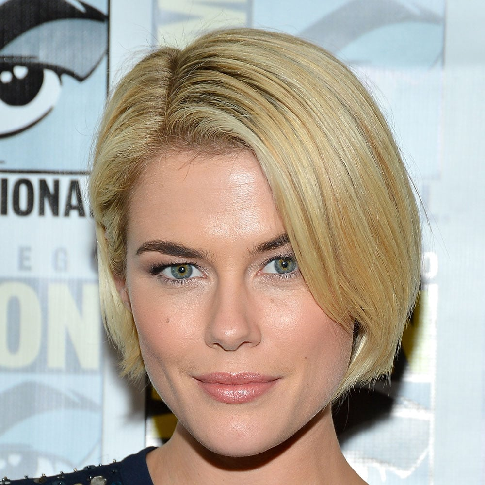 Rachael Taylor's short blonde bob and simple makeup looked really clean and fresh.
