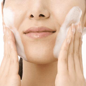 Difference Between Face Wipes and Cleansers?