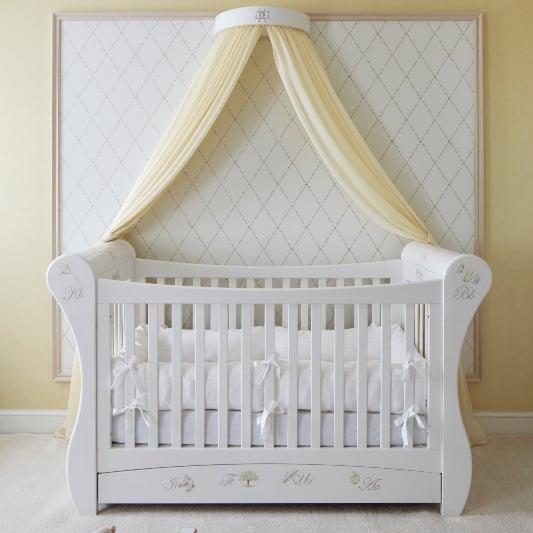 Suite Dreams Royal Baby Hotel Room