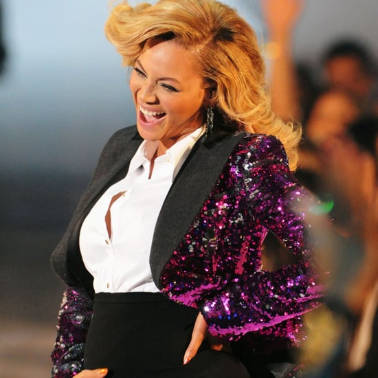 Beyonce Knowles Pregnant Pictures Performing at 2011 MTV Video Music Awards