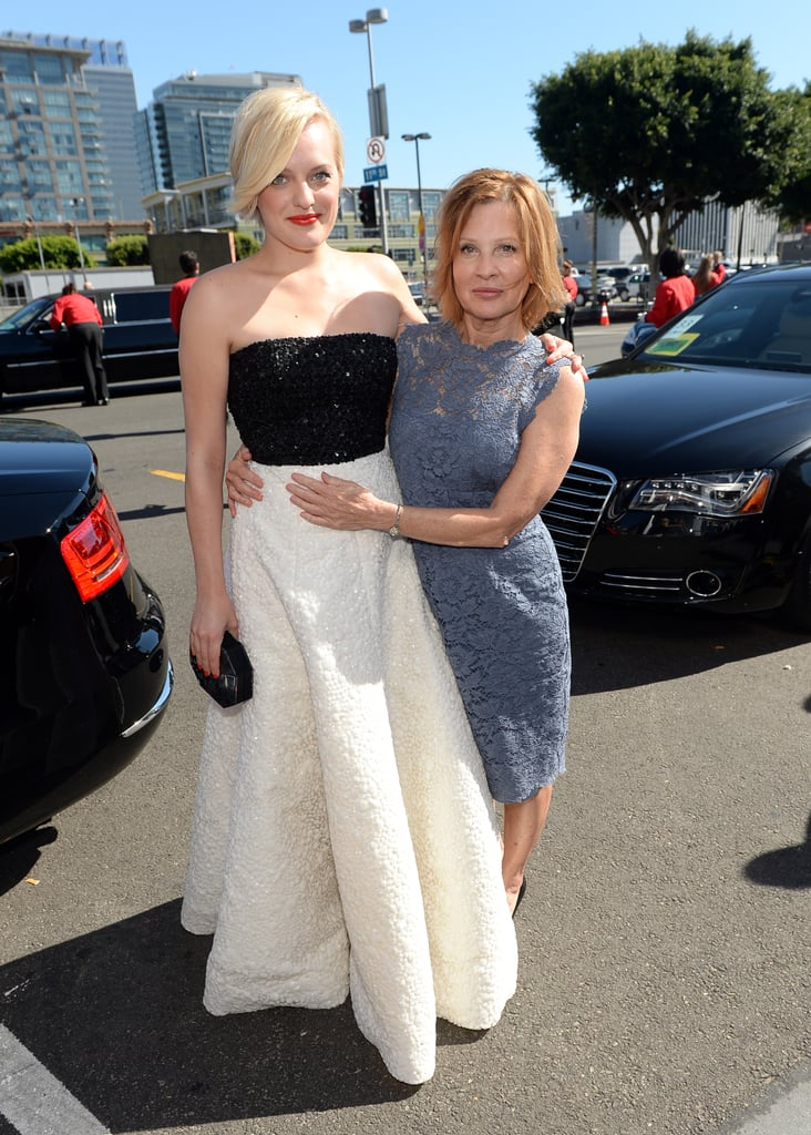 Elisabeth Moss walked the red carpet with her mum.