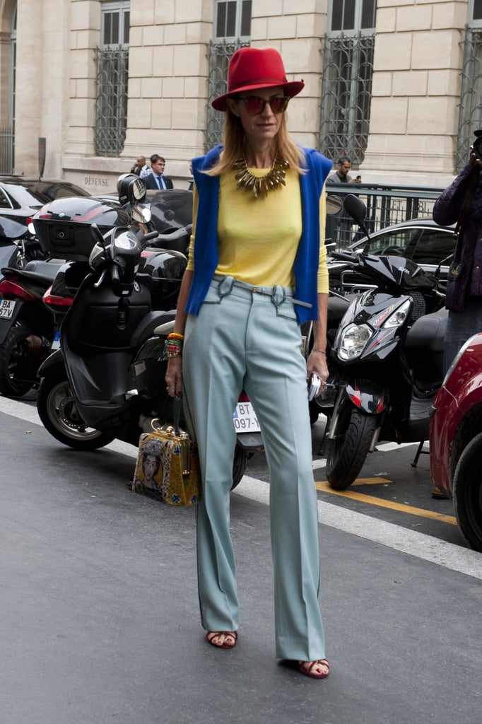 Primary hues ruled in this look.