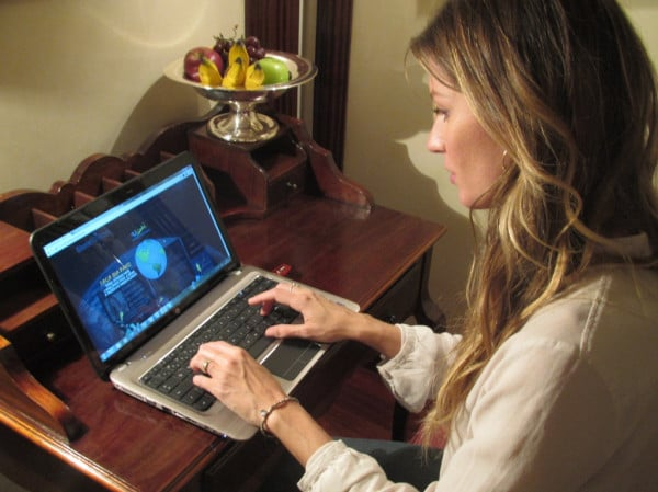 Gisele Bundchen took to her laptop to gain awareness for Rio+20. Source: Twitter user giseleofficial