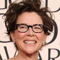 Interview: Annette Bening Wins Golden Globe For The Kids Are All Right!